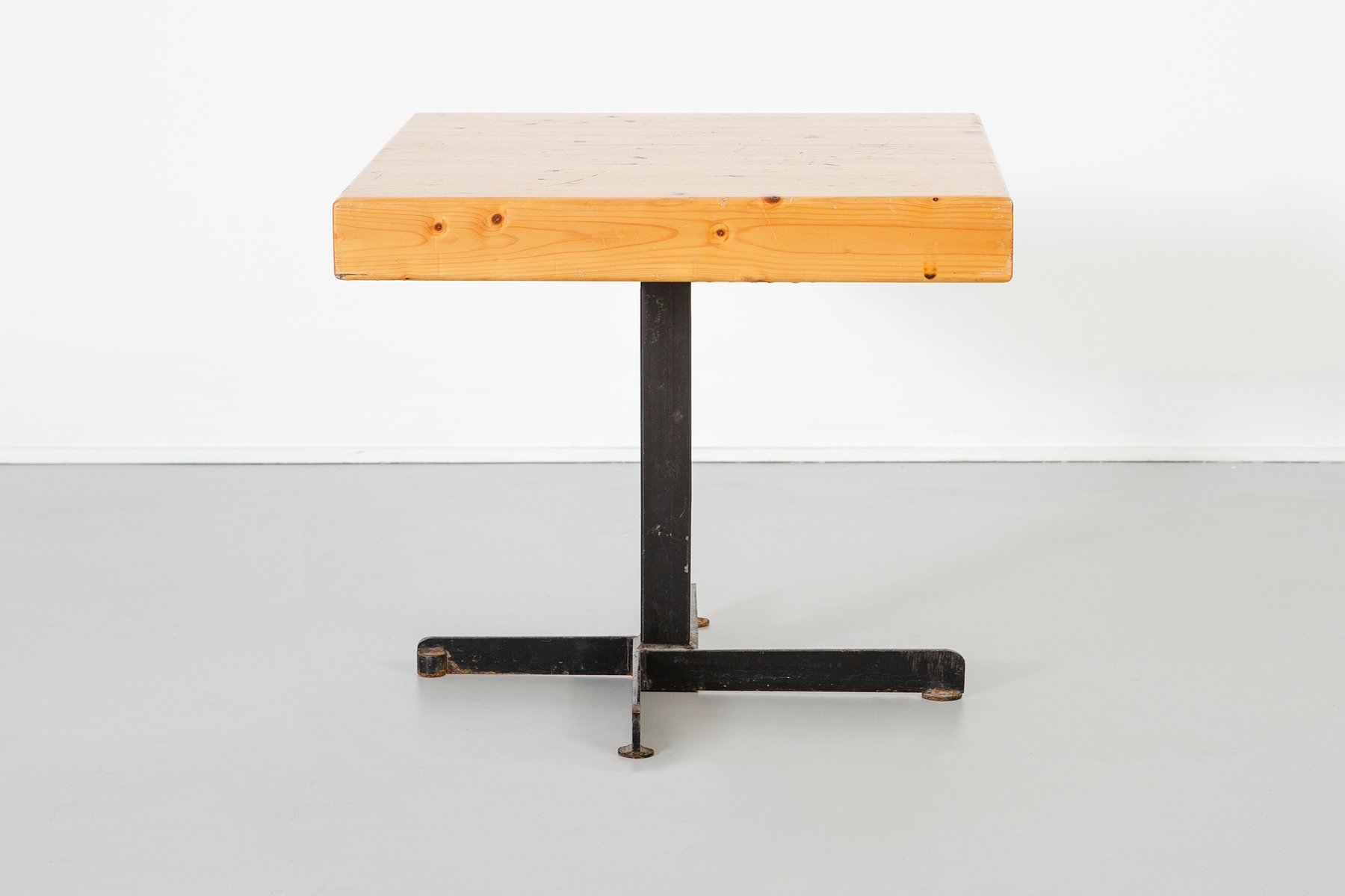 vintage adjustable square les arcs table by charlotte perriand for sale at pamono. Black Bedroom Furniture Sets. Home Design Ideas