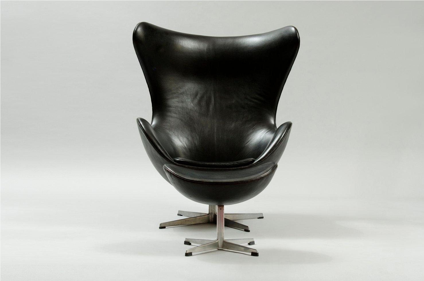 Egg Chair And Ottoman By Arne Jacobsen For Fritz Hansen