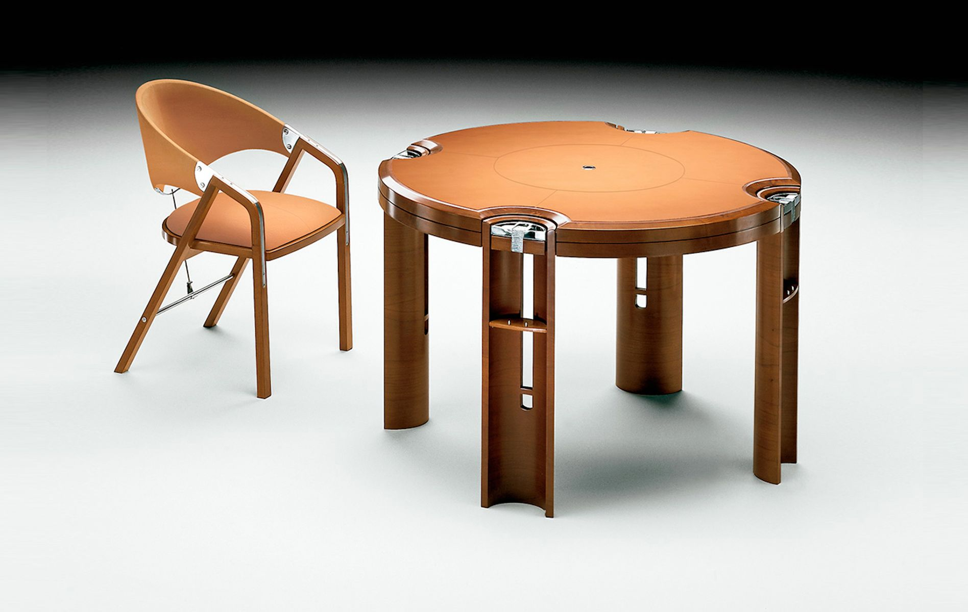 table de jeux en noyer clair par j tresserra 1987 en vente sur pamono. Black Bedroom Furniture Sets. Home Design Ideas