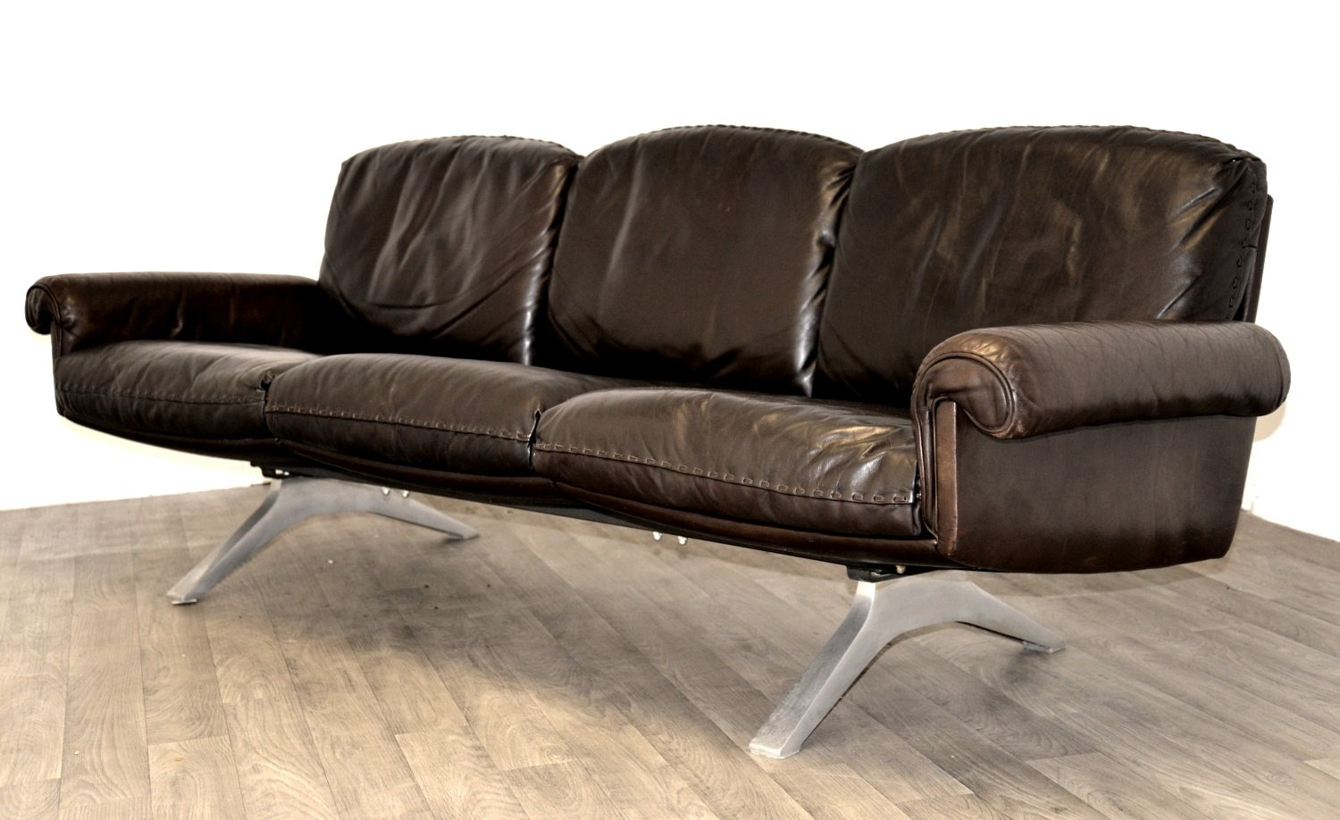 swiss vintage ds 31 swivel lounge armchairs and sofa from. Black Bedroom Furniture Sets. Home Design Ideas
