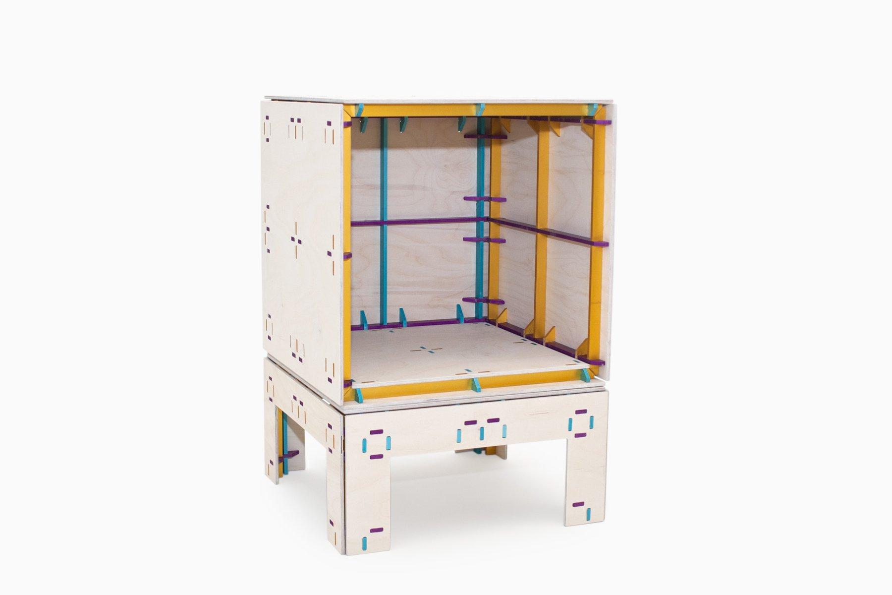 Wrong Color Furniture System Nachtkästchen von Studio Minale-Maeda