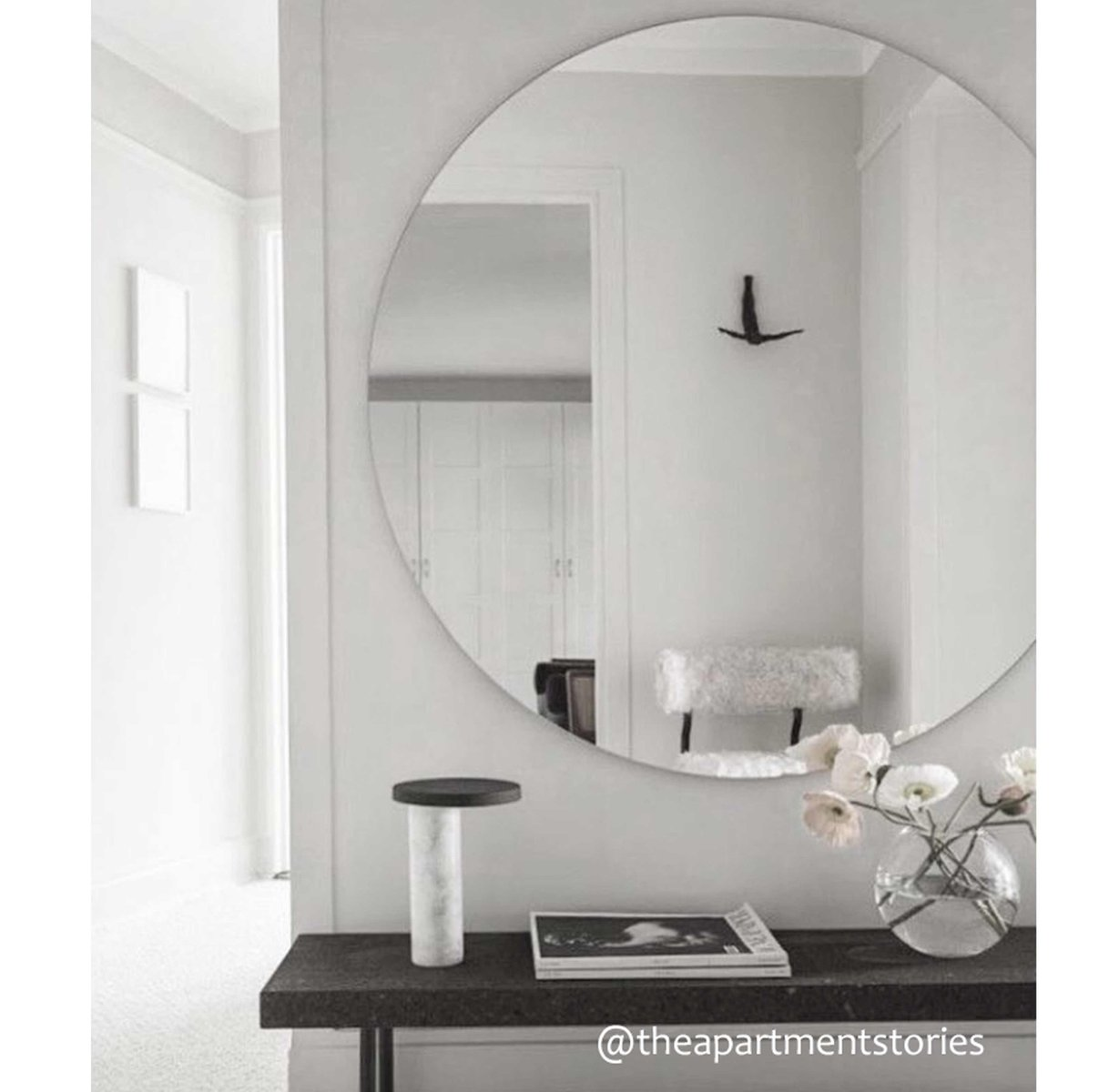 runder extra gro er versilberter orbis spiegel ohne rahmen. Black Bedroom Furniture Sets. Home Design Ideas