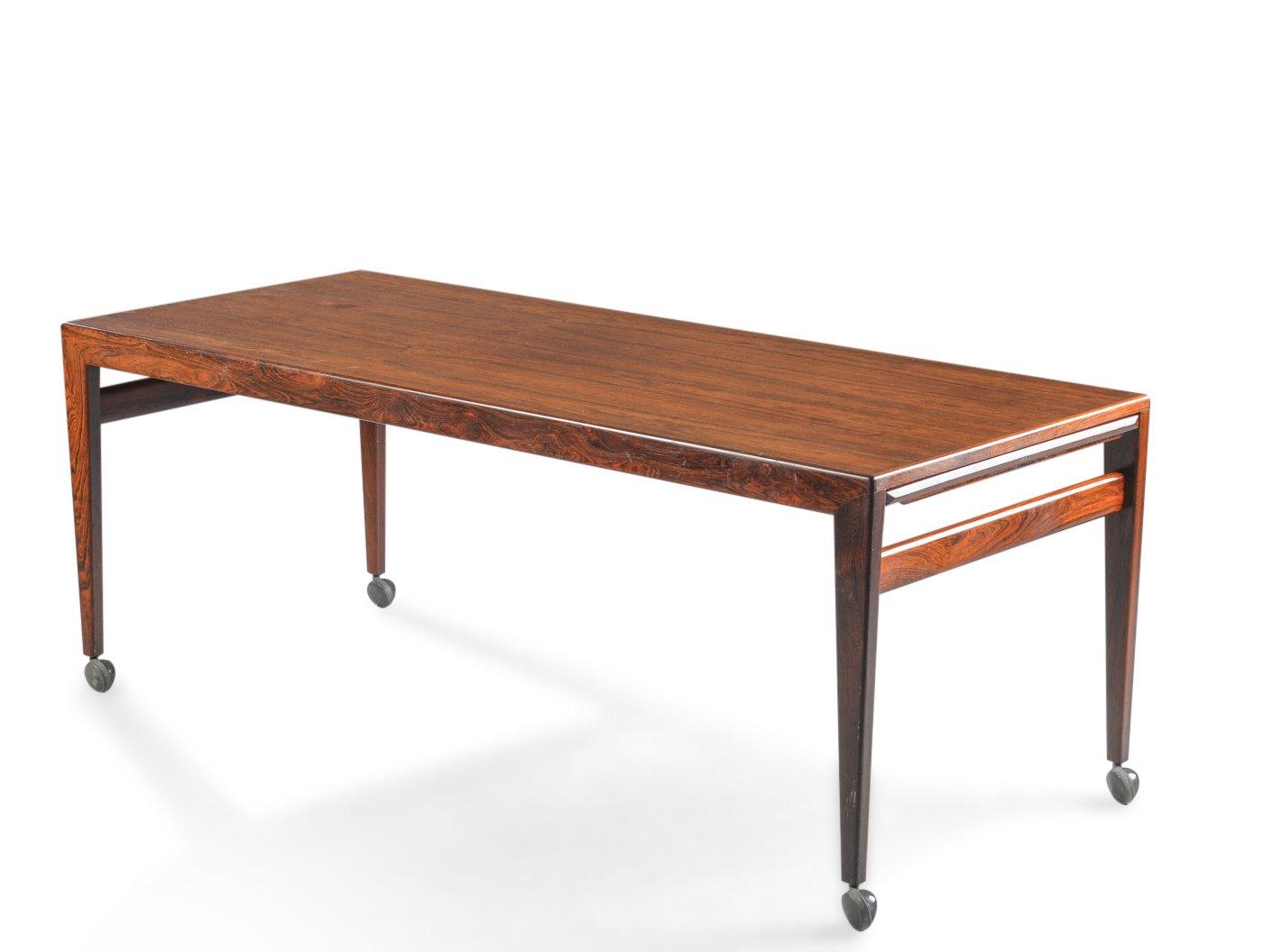 table basse sur roulettes par johannes andersen pour uldum. Black Bedroom Furniture Sets. Home Design Ideas